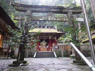 愛知県の紅葉で有名な鳳来寺山ってどんなとこ?駐車場や混雑に見頃は?